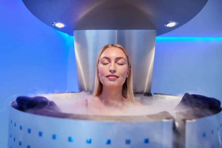 lady-having-cryotherapy